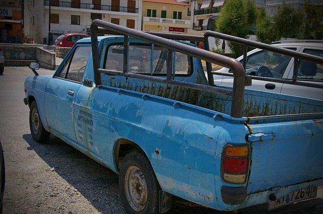 old-nissan-car